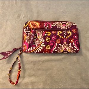 Vera Bradley Retired Safari Sunset Wristlet